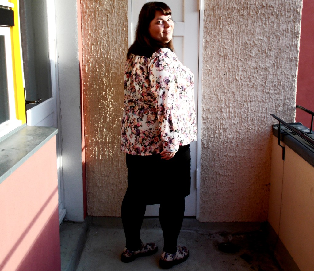 Blümchenbluse Übergröße Rückansicht