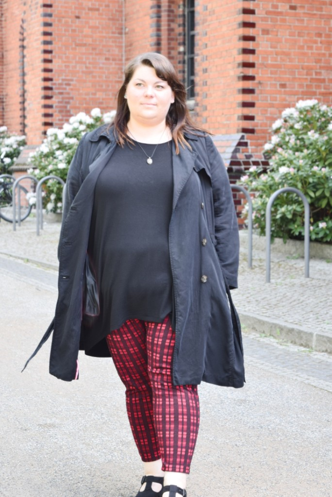 Plus Size Outfit rote Karohose