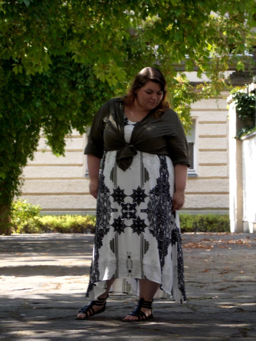 Plus Size Vokuhila Sommerkleid von Mat