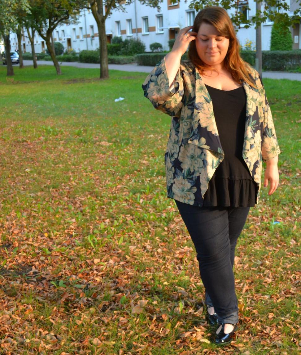 Herbstkimono_fuer_Mollige3
