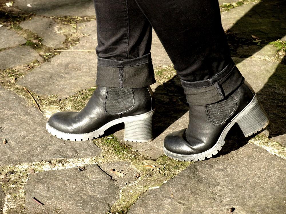 Anklebooties mit leichtem Plateau