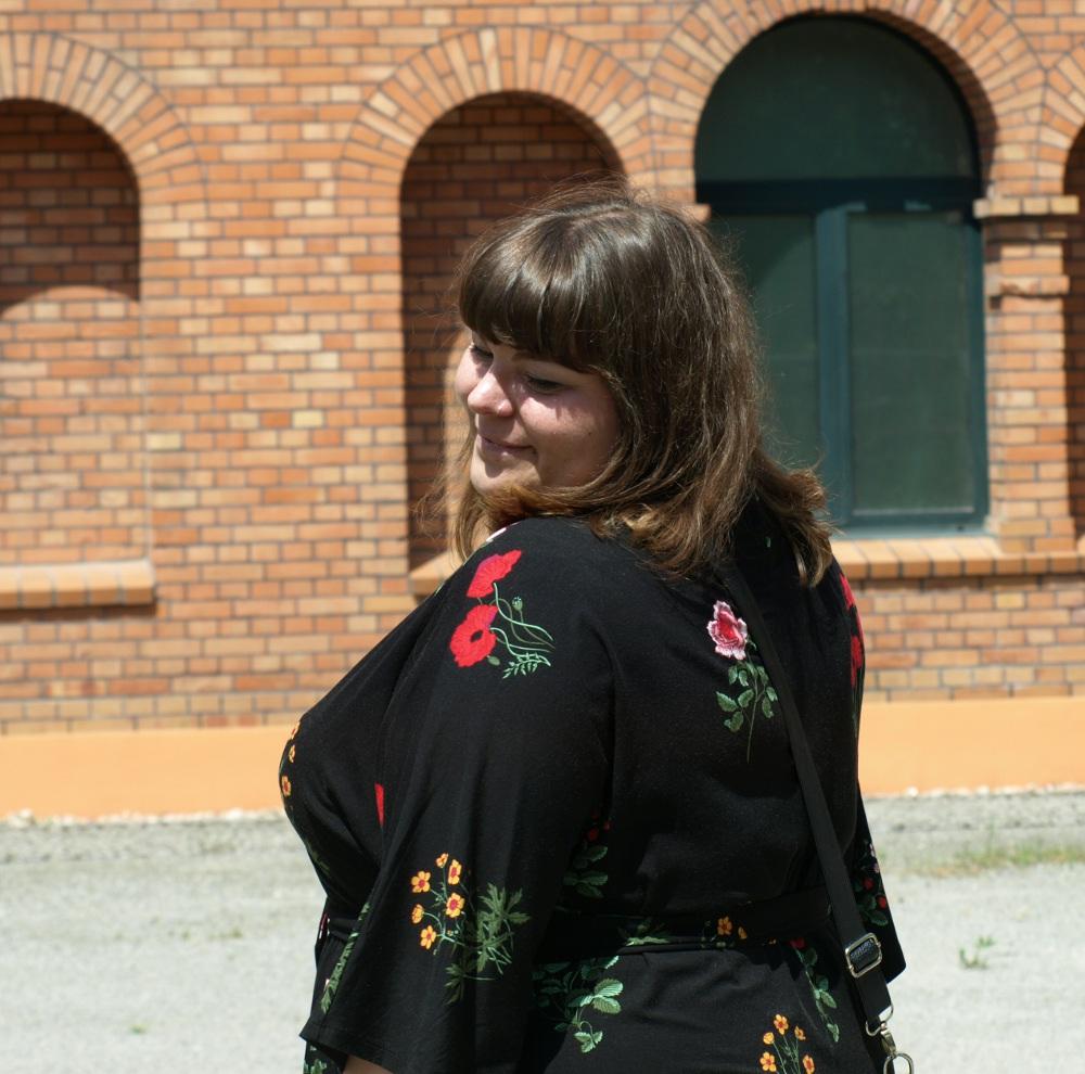 Sizeplus-Style Portrait