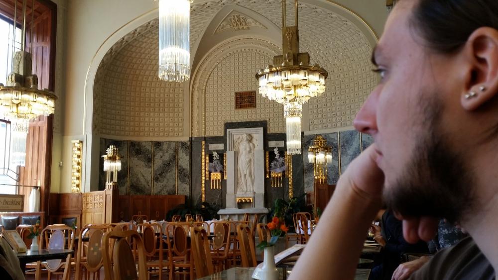 Das Café des Prager Gemeindehauses Obecní dům